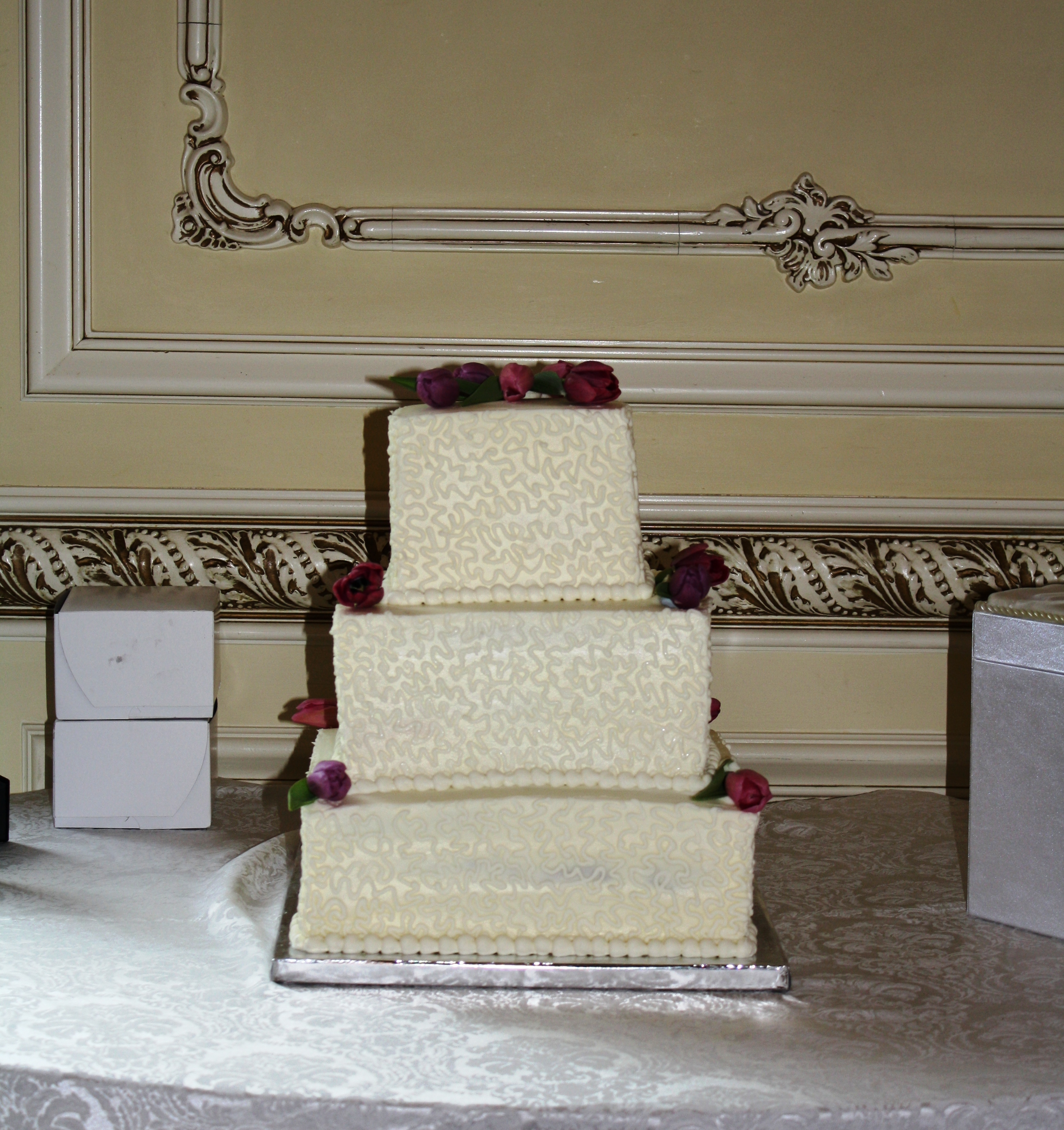 square shaped wedding cakes